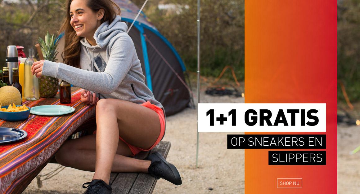 1+1 gratis canvas sneakers en slippers